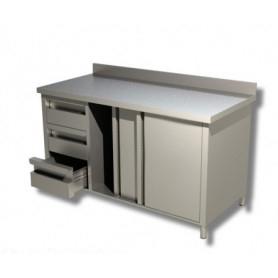Tavolo armadiato con scorrevoli e cassettiera laterale