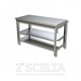 Tavolo inox con 2 ripiani di fondo, senza alzatina posteriore. Dim.cm. 110x70x85h *COME NUOVO*