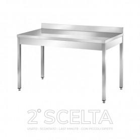 Tavolo inox senza ripiano di fondo, con alzatina posteriore. Dim.cm. 60x60x85h *piccoli danneggiamenti*