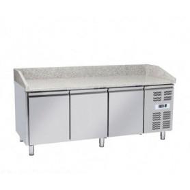 Banco Pizza refrigerato 3 sportelli e piano in granito. 202x80x100H.