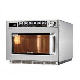 Forno microonde Professionale con comandi Digitali. Potenza 2900 Watt. Dim.cm. 46