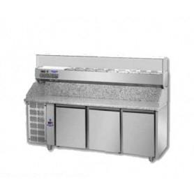 Banco Pizza refrigerato 3 sportelli. Piano in Granito e vetrina portacondimenti. 216x80x149H. – Vetrina GN 1/3