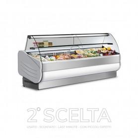 Banco Vetrina espositiva refrigerata. Lunghezza cm. 250 - Temp. +3°/+5°C *piccoli danneggiamenti sul pannello in basso*